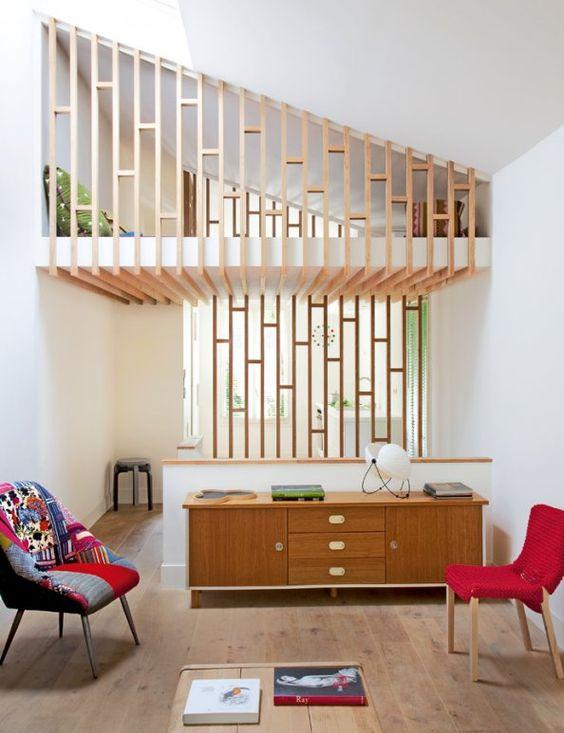 Mezzanine originale en tasseaux de bois