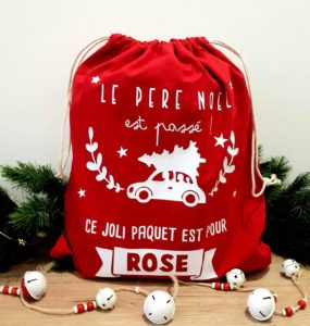 Hotte de Noël rouge en tissu personnalisée avec un prénom